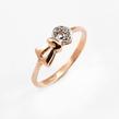 Auksinis moteriškas žiedas su cirkonio kristalais Ž0342