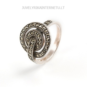 su-pusbrangiais-akmenimis-sidabrinis-moteriskas-ziedas-su-markazitais-001.jpg